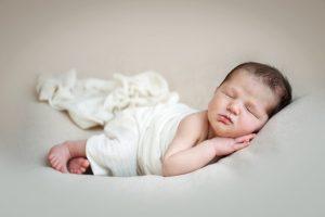 fotografia di bambino appena nato milano