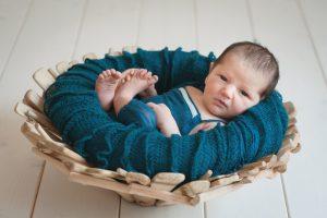 fotografo neonato sveglio