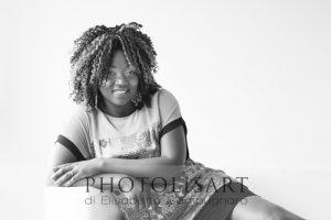 servizio fotografico di donna milano bianco e nero