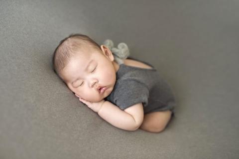 foto neonato pochi mesi